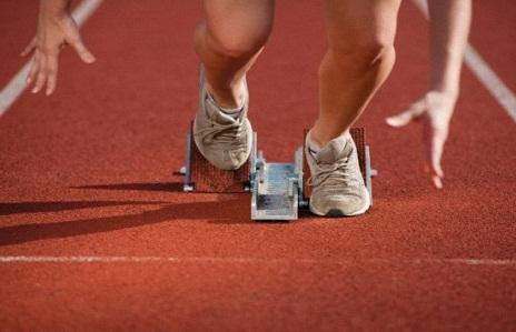 как быстро бегать 200 метров