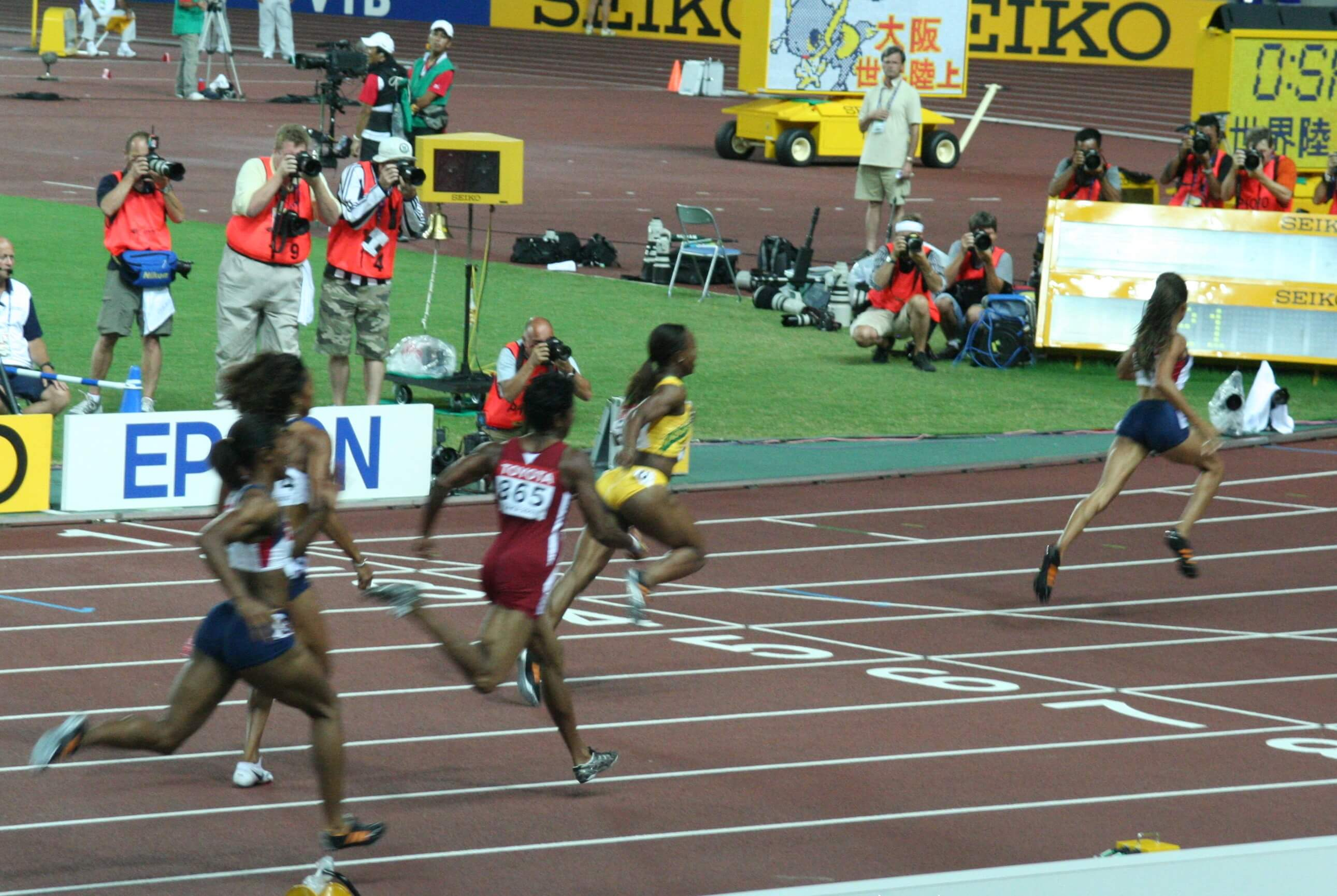 рекорд бега на 60 метров мужчины