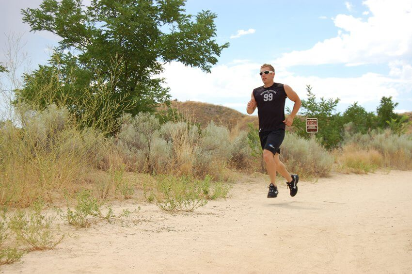 бег с препятствиями по пересеченной местности