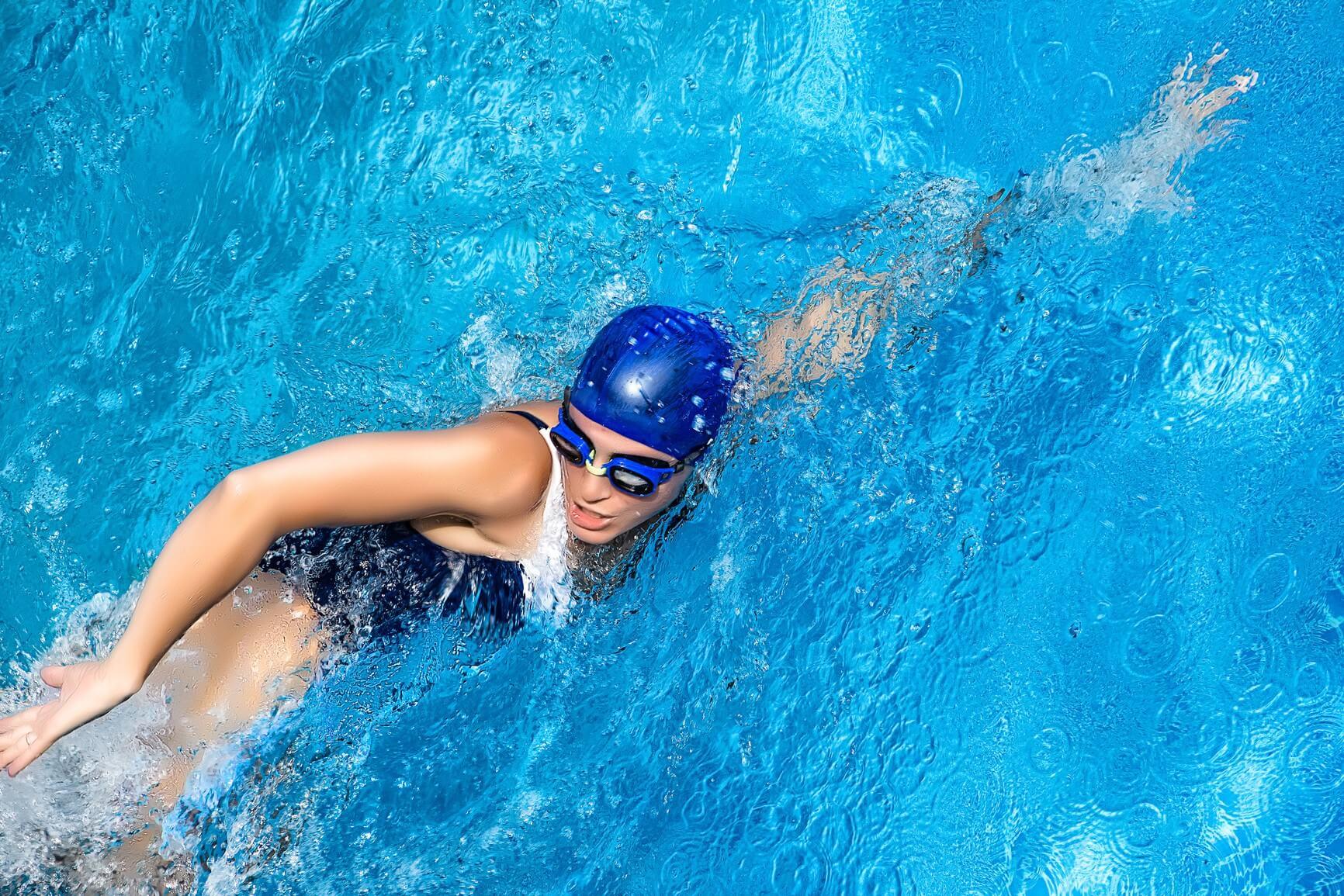 плавание или бег
