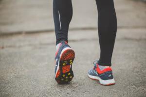 Шипованные кроссовки для зимнего бега