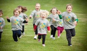 как научить ребенка правильно бегать