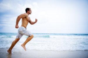 как бегать по песку