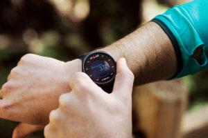 часы для бега с пульсометром и шагомером